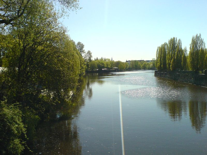 Gew sser in der ferne for Teich winter
